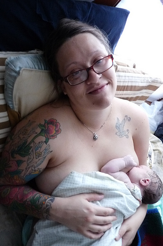 breastfeeding newbor